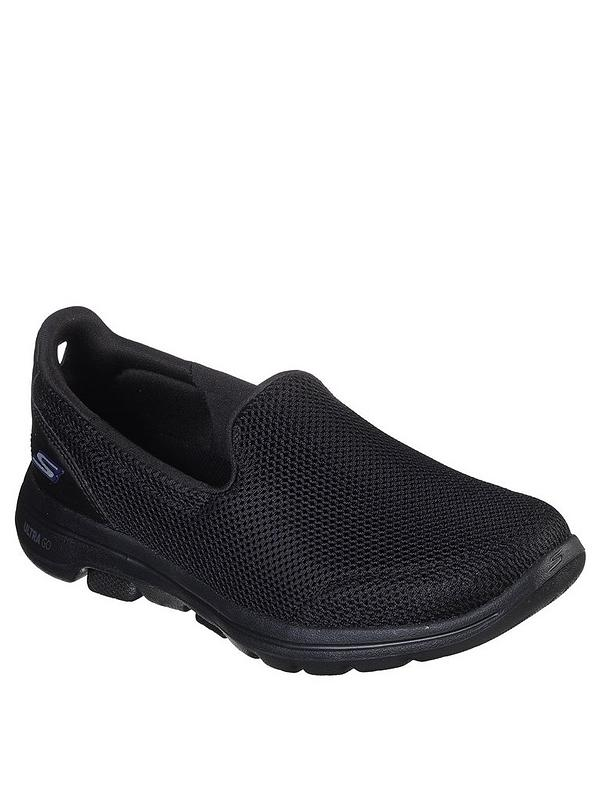 black skechers